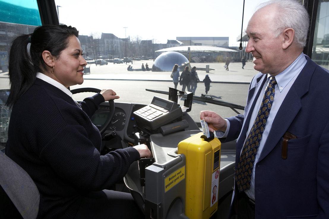 65+'ers kunnen hun abonnement op De Lijn voortaan online bestellen en betalen