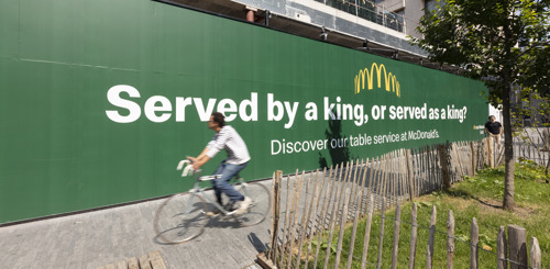 TBWA\Belgium & McDonald's Belgium troll new Burger King restaurant to promote table service