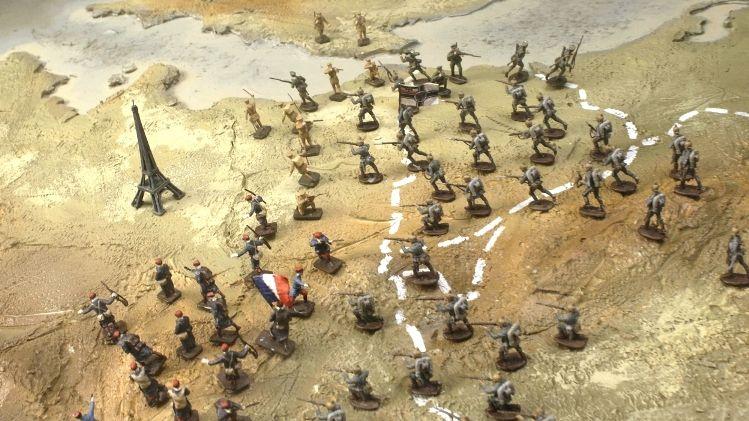 Kleine handen in een grote oorlog - Aflevering 1 - De aanval - animatie (c) VRT - Looks