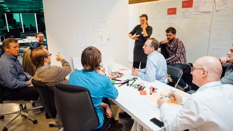 Innovatieworkshop in de design studio van Namahn. Fotografie: Peter Vermaercke, Namah. Kristel Van Ael & Joannes Vandermeulen, Namahn - Henry van de Velde Lifetime Achievement Award 16