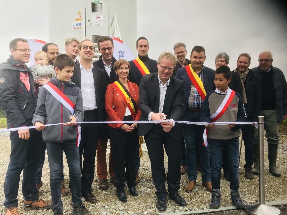 De nieuwe Waalse minister van Energie, Philippe Henry, huldigt het windmolenpark van Luminus in Fernelmont officieel in