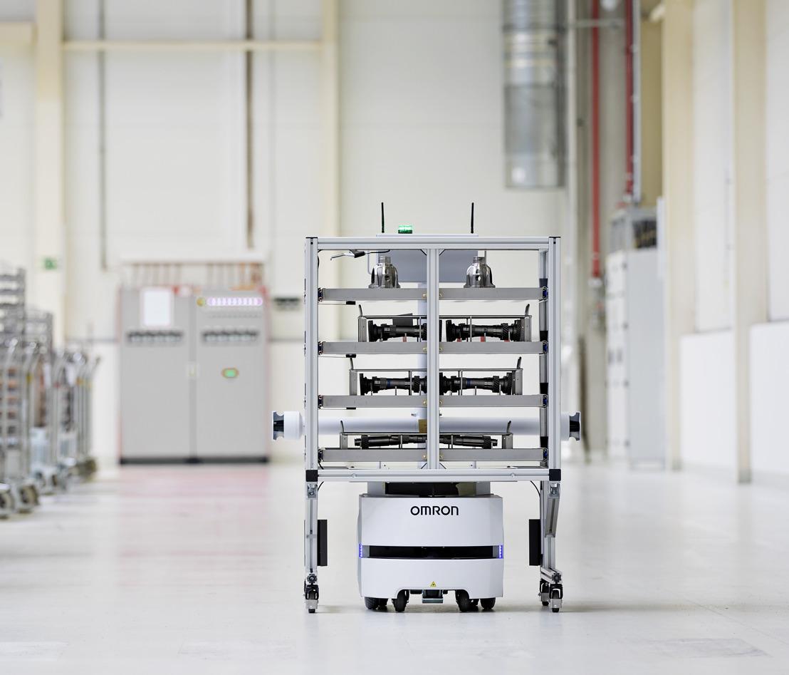 ŠKODA AUTO uses fully autonomous transport robot at Vrchlabí plant