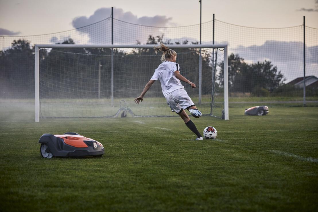 Nouveau logiciel de robot tondeuse Husqvarna pour la gestion des terrains de sport
