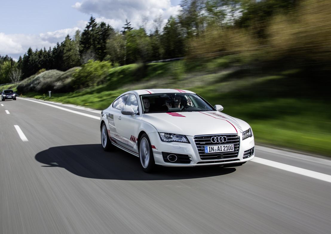 Audi-onderzoeksauto 'Jack' demonstreert sociale vaardigheden op autosnelweg A9