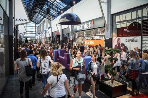 Spullen uittesten in de winkel om ze vervolgens thuis online te kopen? 7 op de 10 shoppende Belgen doen het nooit!