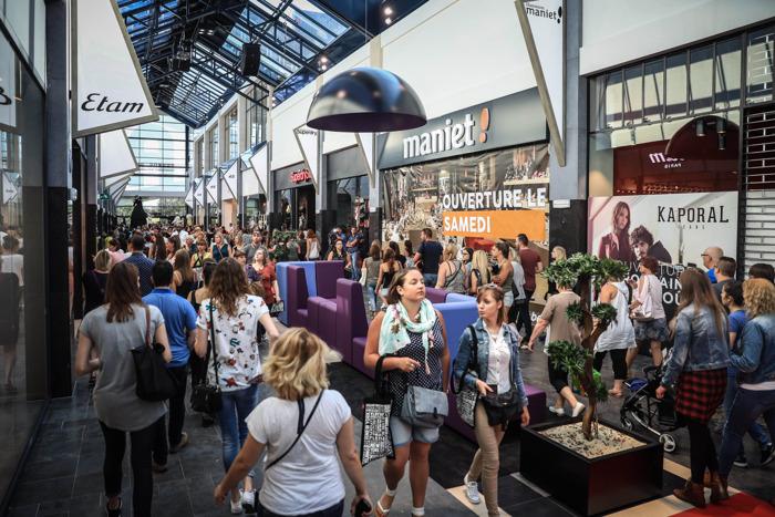 Tester des objets dans le magasin pour ensuite les acheter à la maison en ligne? 7 Belges qui font du shopping sur 10 ne le font jamais!
