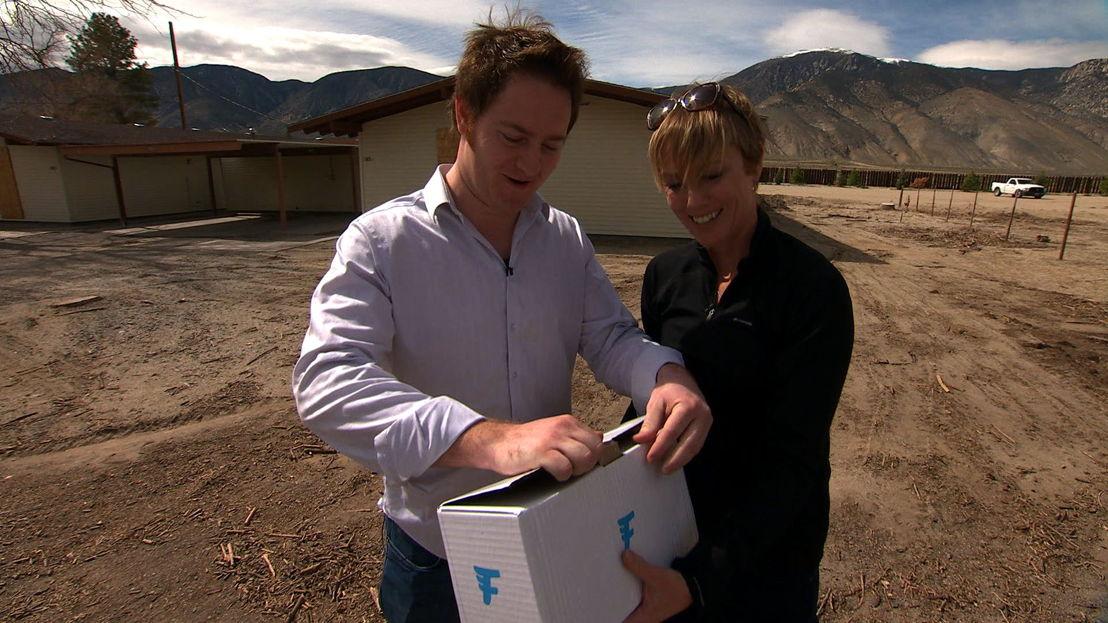 Matt Sweeny & Zoe Daniel get parcel via a drone