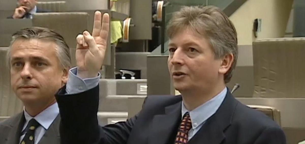Steve Stevaert wordt vice-minister-president in de Vlaamse regering Dewael (1999)