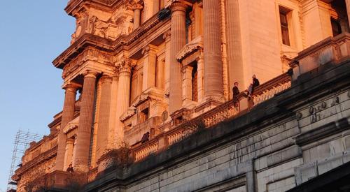 La Ville de Bruxelles et la Régie des Bâtiments fédérale concluent un accord sur l'utilisation des abords du Palais de Justice.