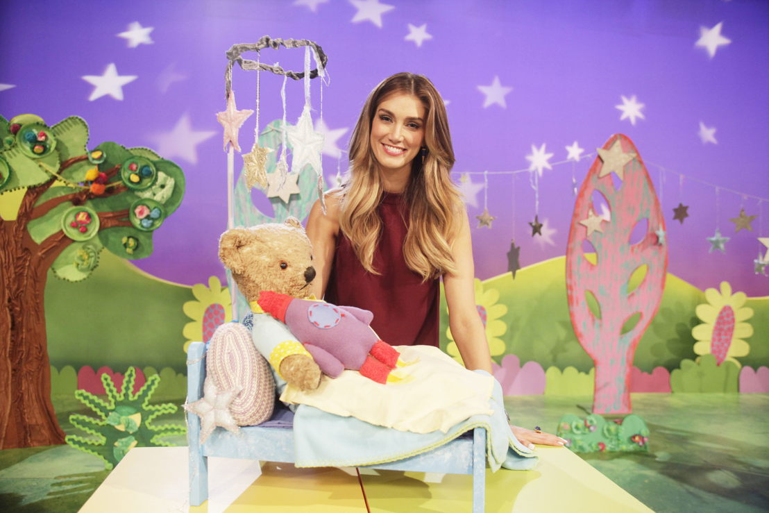 ABC KIDS' Play School's Little Ted with Delta Goodrem - Play School Celebrity Covers
