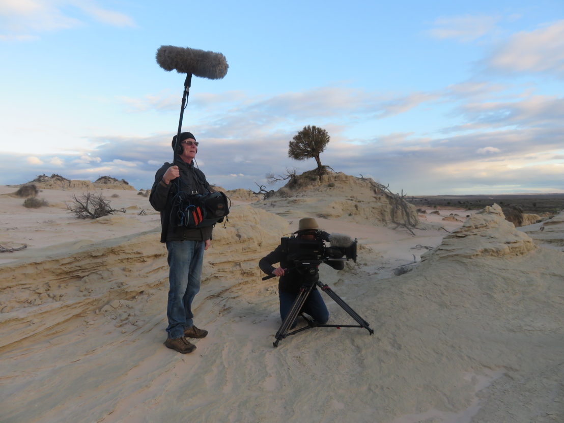 Australian Story films at Mungo National Park, photo credit by Lisa McGregor.