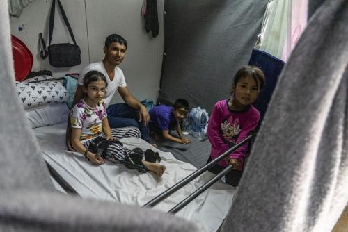 Griekse eilanden: 24.000 mensen zitten gevangen in een onmenselijk migratiebeleid