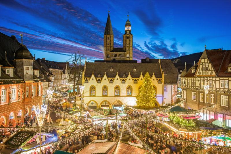 GOSLAR Weihnachtsmarkt Abend Quelle GOSLAR marketing gbmh Fotograf Stefan Schiefer