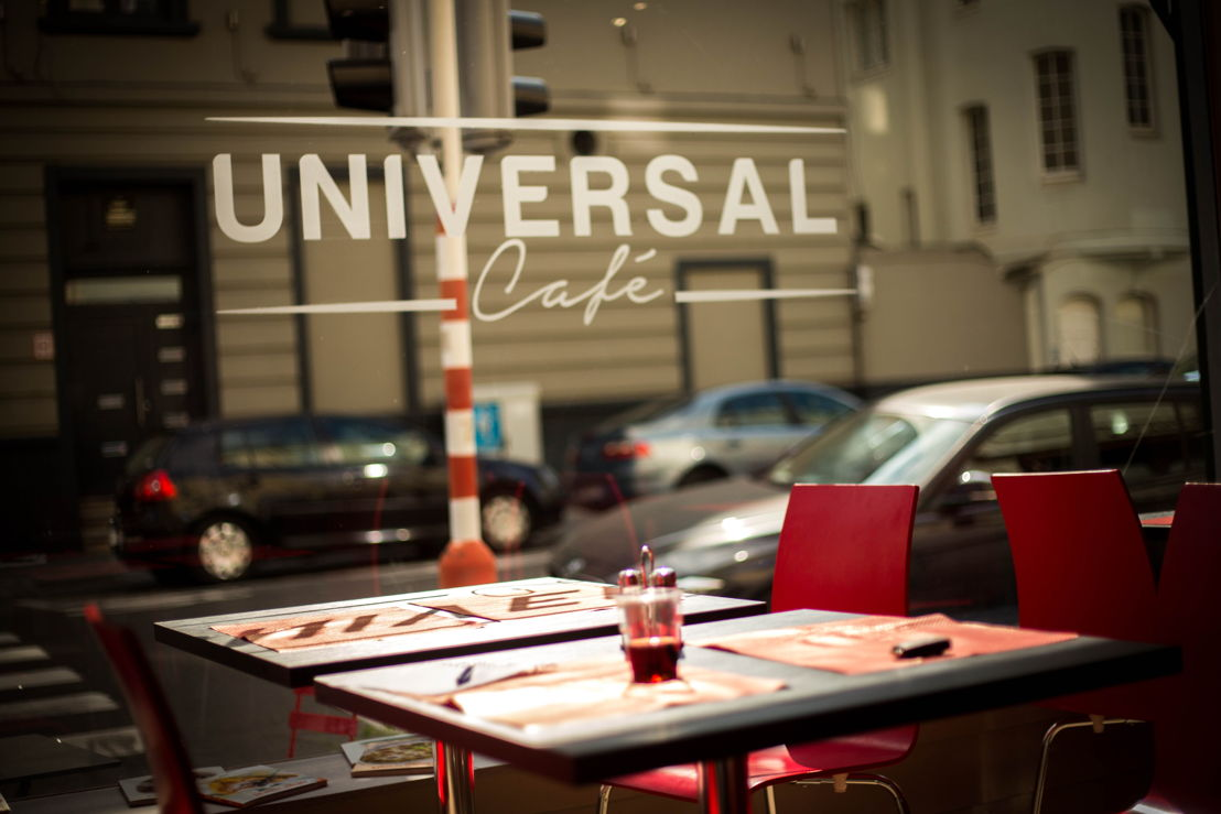 Universal Café 6