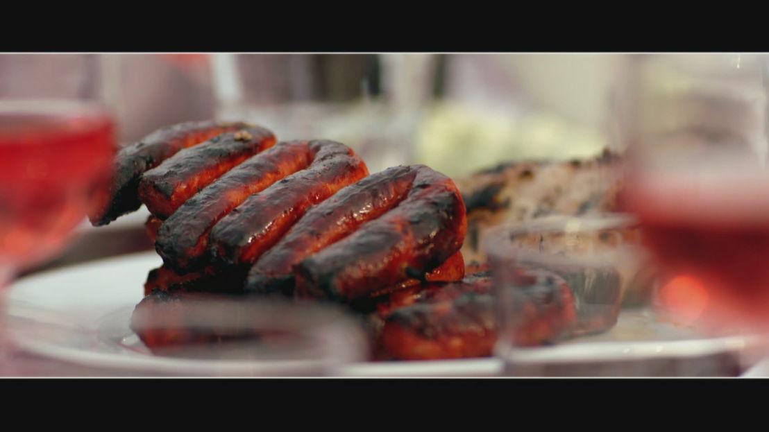 Aangebrand vlees: opeten of wegwerpen?<br/>Over eten (c) VRT