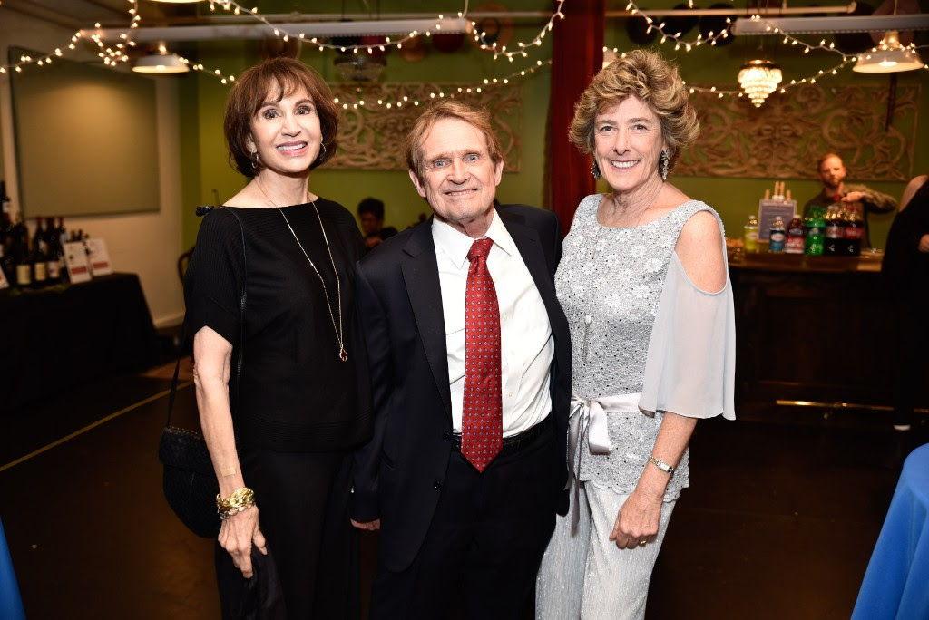 Graham Martin (center), Honoree