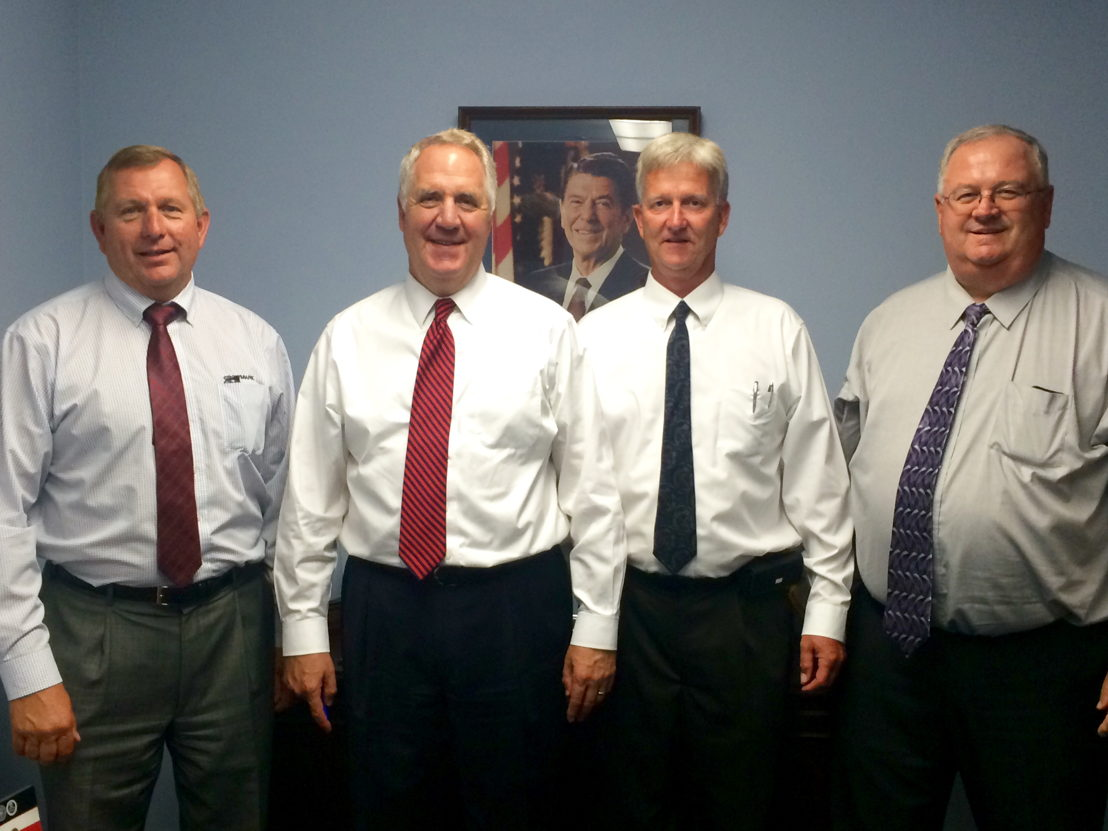 Pictured L to R: Dennis Neuhaus, GROWMARK board member; Congressman John Shimkus; Carl Tebbe, Gateway FS general manager; Matt Heitz, GROWMARK board member.