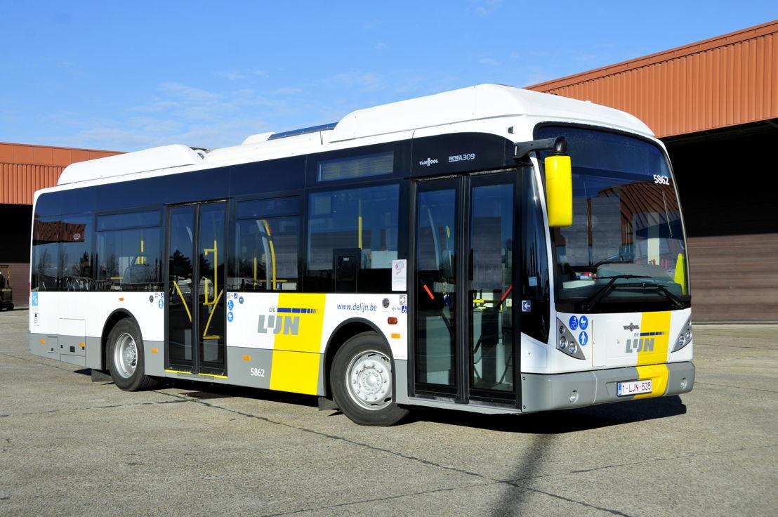 Een hybride bus van de Lierse busbouwer Van Hool .