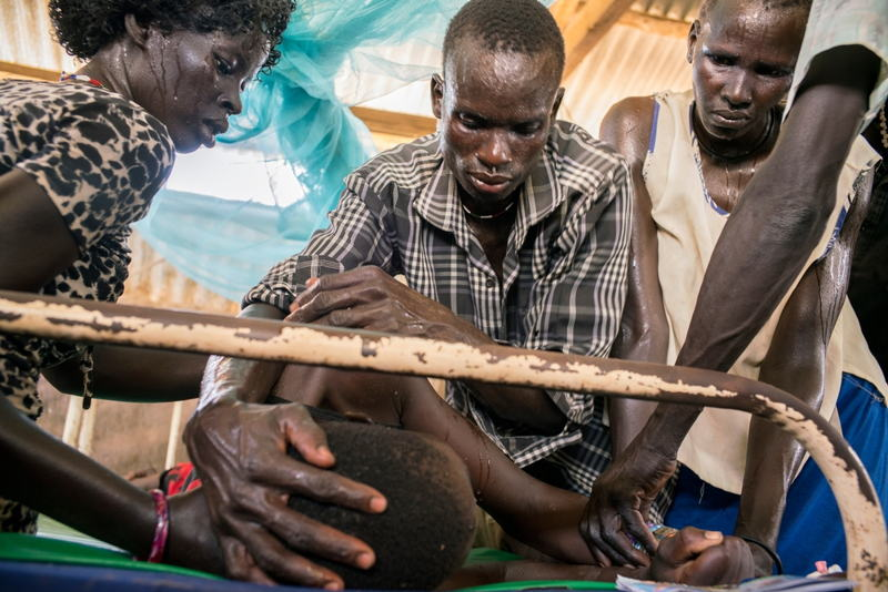 In 2015, a catastrophic malaria outbreak severely affected remote Northern Bahr el Ghazal state in South Sudan during the rainy season, between June and September. MSF, working in partnership with the Ministry of Health in Aweil hospital, treated more than 2,000 patients suffering of severe malaria which is more than 14% compared to the last year. <br/><br/>Many of these patients arrived in a critical condition because drug shortages in surrounding health facilities forced people to travel long distances to reach care, thereby reducing their chances of survival.<br/>© Diana Zeyneb Alhindawi