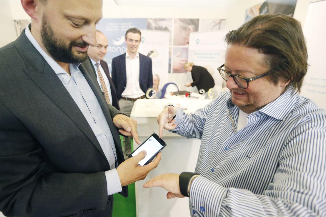 Johan De Geyter & Marc Coucke met Embracelet