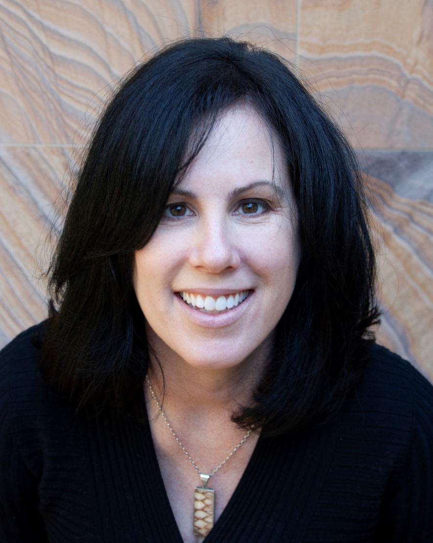 Dr Caitlin Curtis