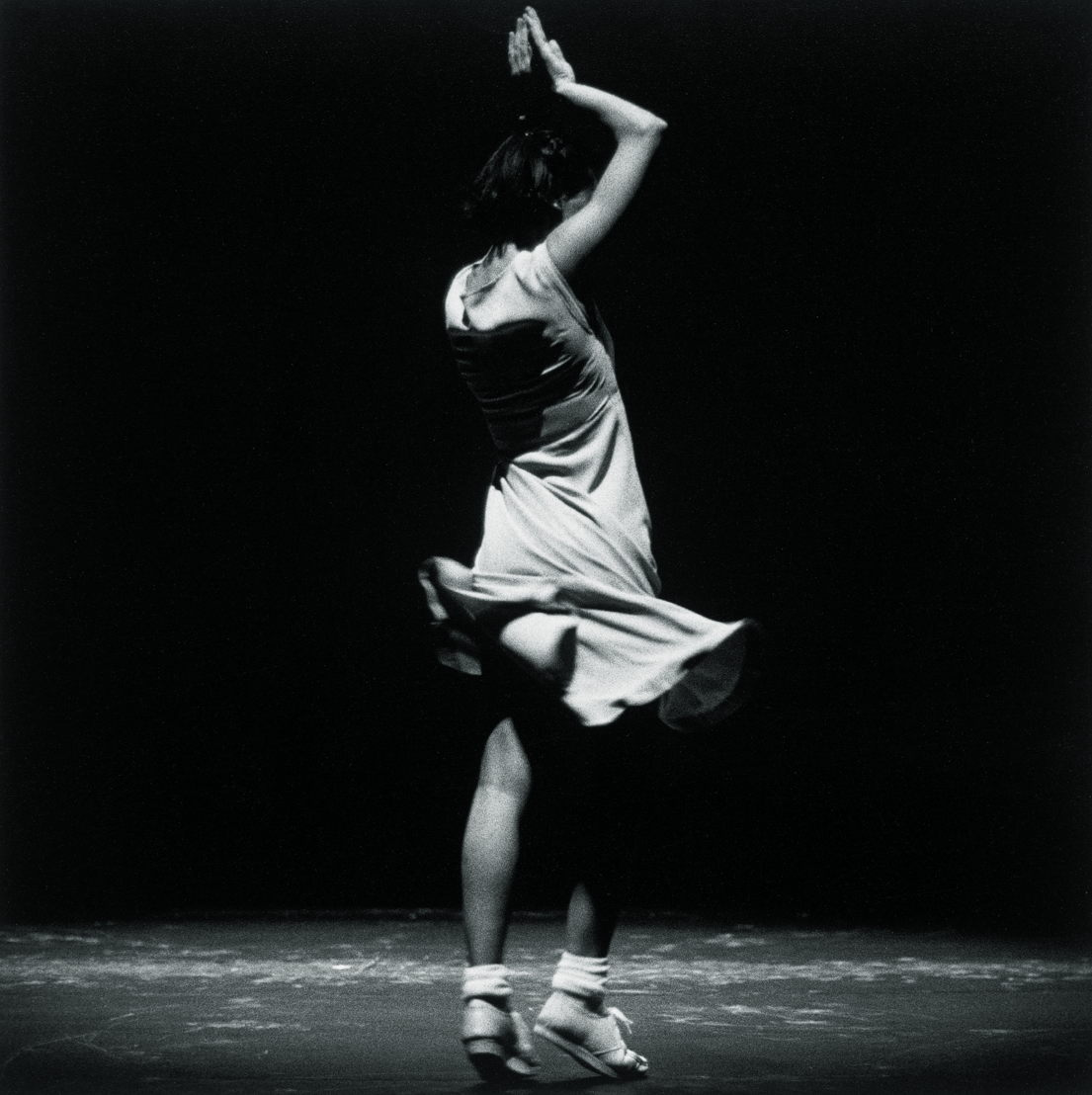 "Anne Teresa De Keersmaeker / Rosas - ""Fase, four movements to the Music of Steve Reich"" © Herman Sorgeloos"