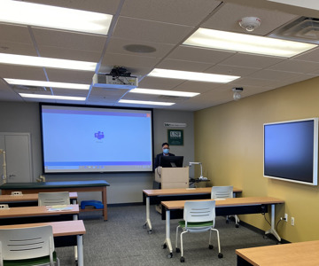 University of South Florida takes hybrid learning to the next level with Sennheiser TeamConnect Ceiling 2