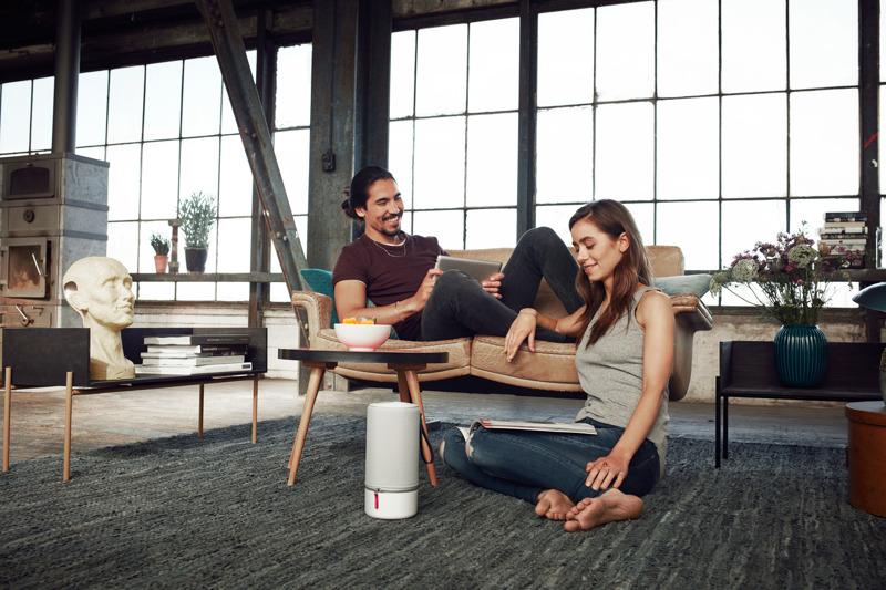 New_ZIPP_Living-room_Couple.jpg