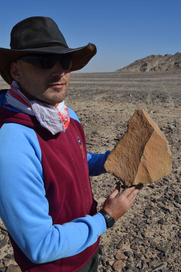 Dr Seri Shipton in the Arabian Peninsula. Image: ANU.