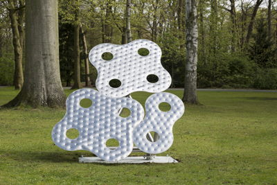Richard Deacon<br/>Infinity #13, 2001<br/>Copyright and courtesy of the artist<br/>Foto: Werner J. Hannappel