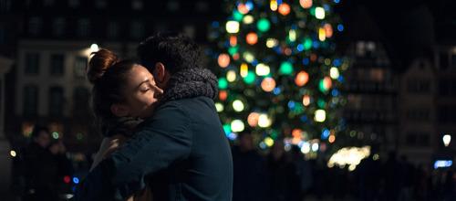 Preview: ¡HELP WANTED! Cómo sobrevivir sin tu pareja en las fiestas de fin de año