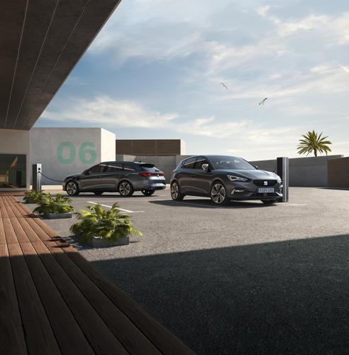 SEAT élargit la gamme de la Leon avec une version e-Hybrid, la première hybride rechargeable de la marque