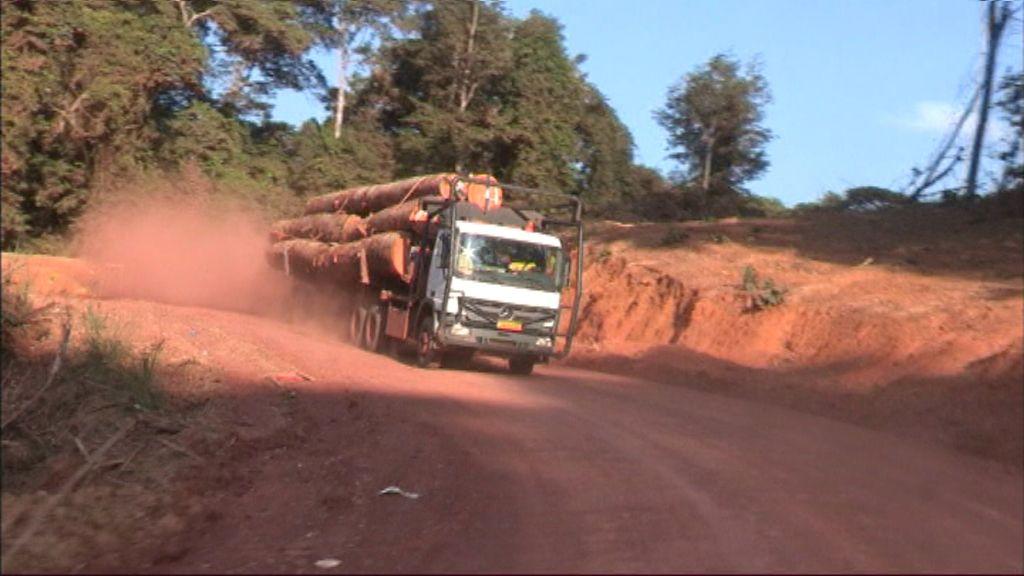 Vranckx - Onmogelijke routes - Gabon - (c) Tony Comiti productions