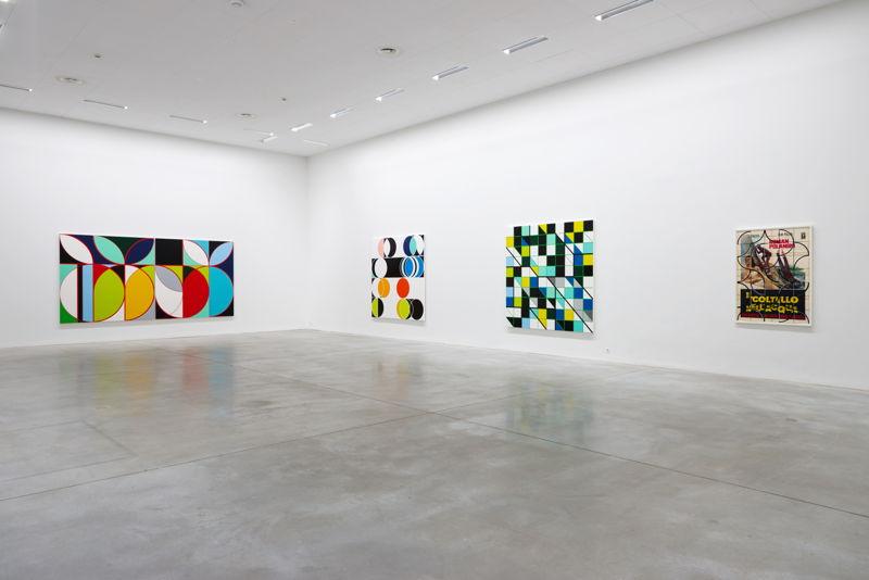 De gauche à droite: Sarah Morris. Eletrobas [Rio] (2013), Total Lunar [Rio] (2014), Cosan [Rio] (2013) &amp; Il Coltello Nell'Acqua (2014)<br/>(c) Dirk Pauwels