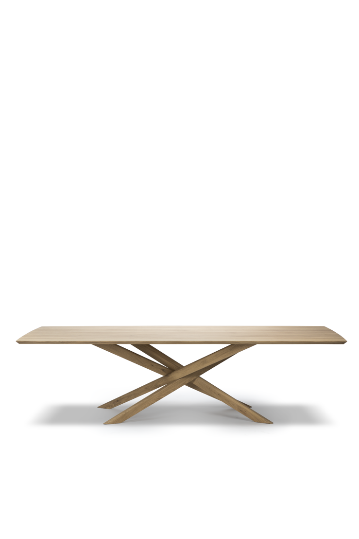 Oak Mikado extendable dining table