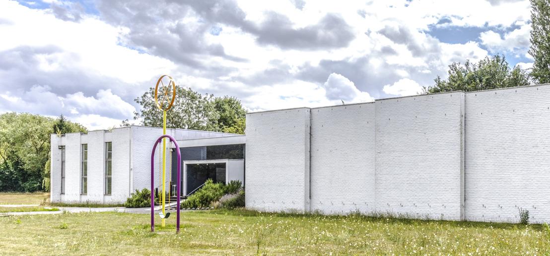 Le Musée Dhondt-Dhaenens rouvre après rénovation avec six œuvres d'art permanentes et un jardin de sculptures