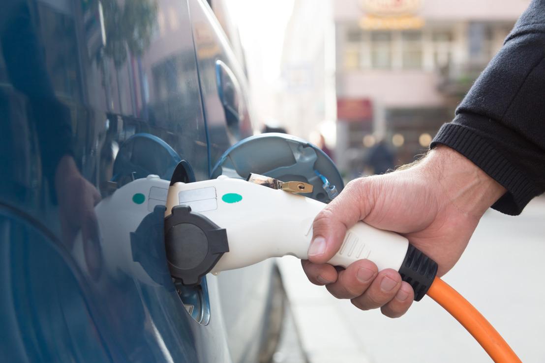 PERSBERICHT: Verhoging en uitbreiding premies voor elektrische en waterstofwagens