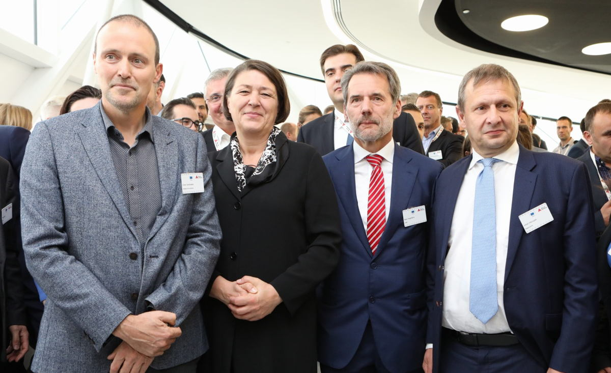 Erwin Verstraelen (Port of Antwerp), EU Transport Commissioner Violeta Bulc, Marc Kegelaers (Unifly) and Belgocontrol CEO Johan Decuyper