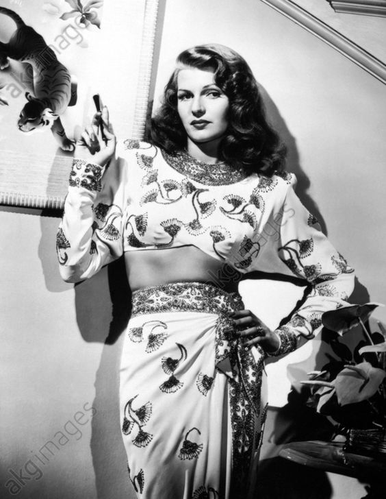 Gilda (1946). Costume by Jean Louis<br/>AKG483121
