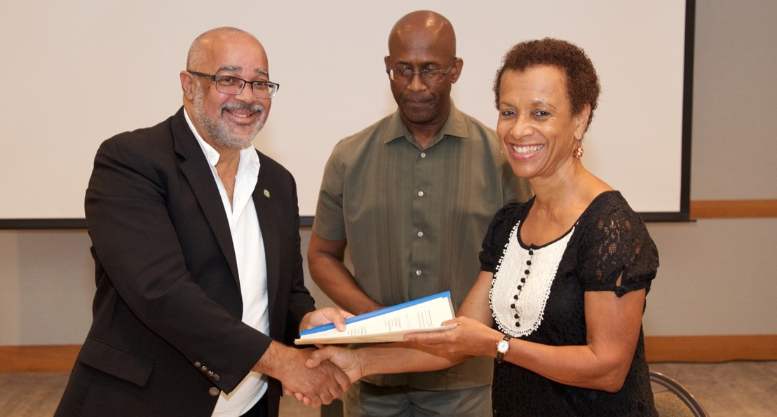 OECS Commission and UWI Institute of International Relations sign MOU on Cooperation