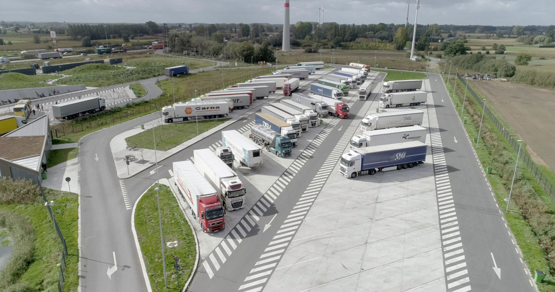 Minister Weyts opent eerste Level 4 Truck Parking van G4S en Total langs de E17 in Kalken