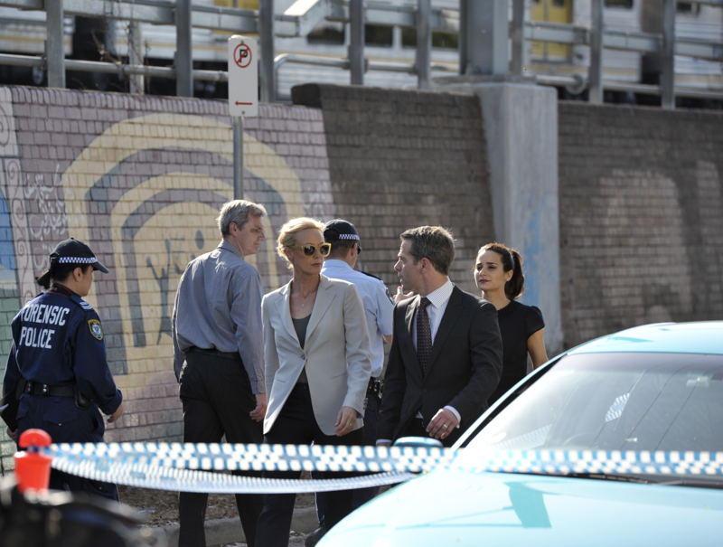 Marta Dusseldorp as Janet King, Christopher Morris as Andy Campbell.