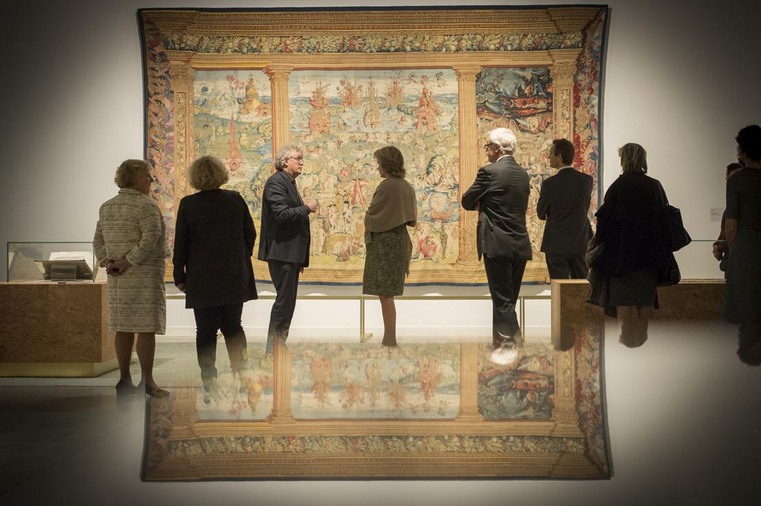 La Reine Mathilde très impressionnée par les chefs-d'œuvre de l'exposition « À la recherche d'Utopia