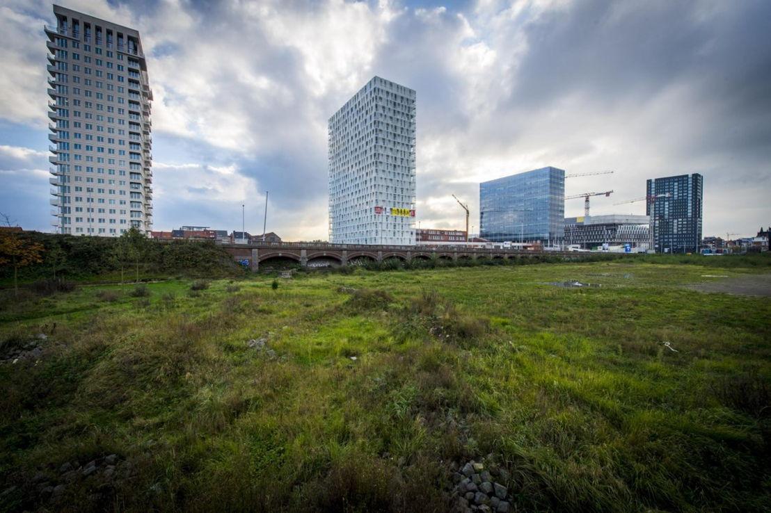 De torens aan Park Spoor Noord. 'Een fantastisch voorbeeld van hoe hoogbouw een plaats kan krijgen in Antwerpen.' ©frbe