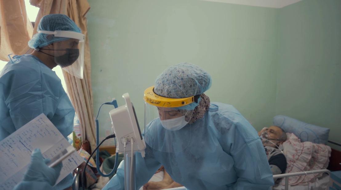 La COVID-19 añade más presión al sobrecargado sistema de salud de Gaza