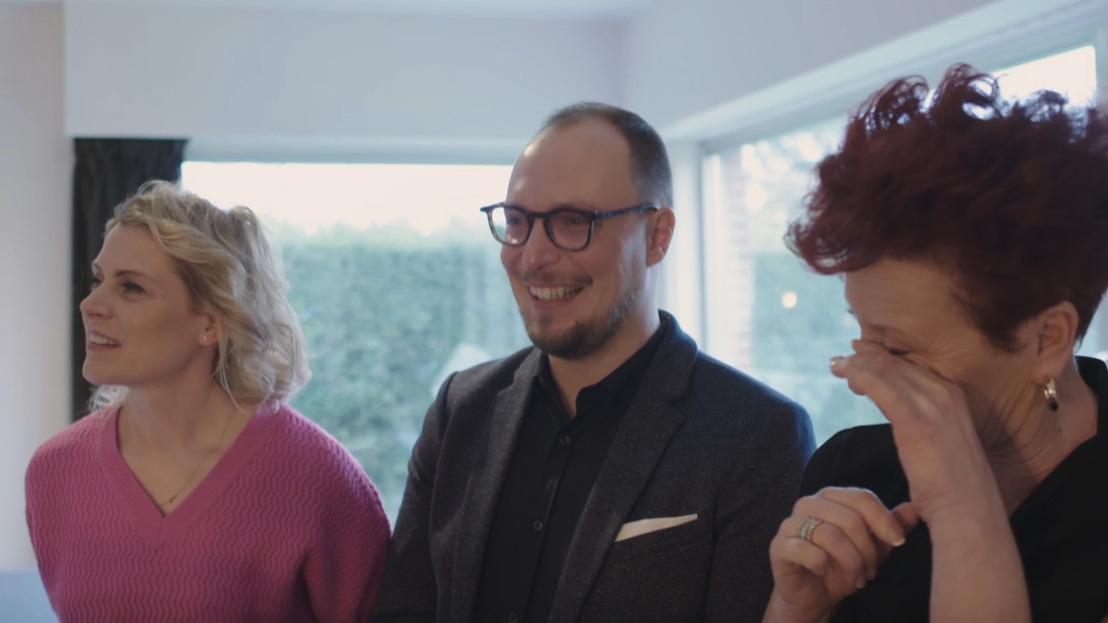 Tranen van geluk bij Dina, Bart en Béa na een onzekere en intense huizenjacht