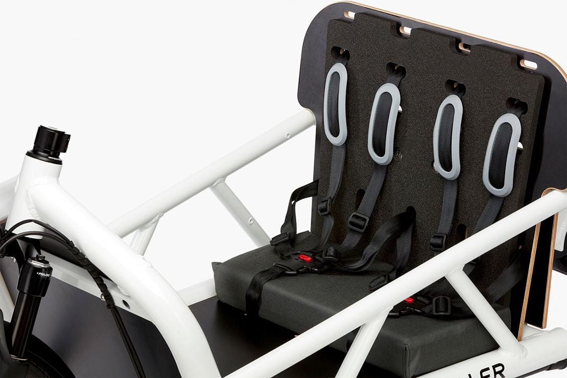 Load dual child seat