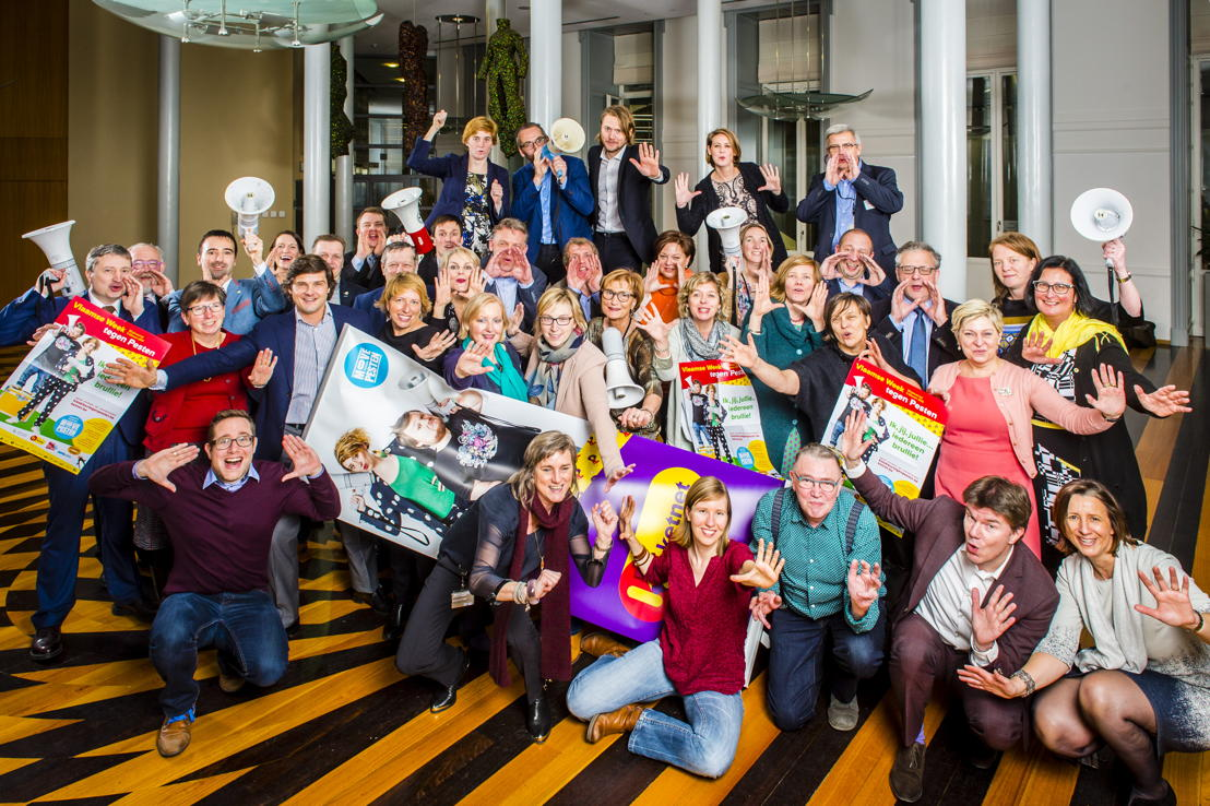 Steun voor de Move van Minister Sven Gatz van Jeugd en Media, en leden van de Commissies Jeugd, Onderwijs en Welzijn van het Vlaams Parlement - (c) Frederik Beyens