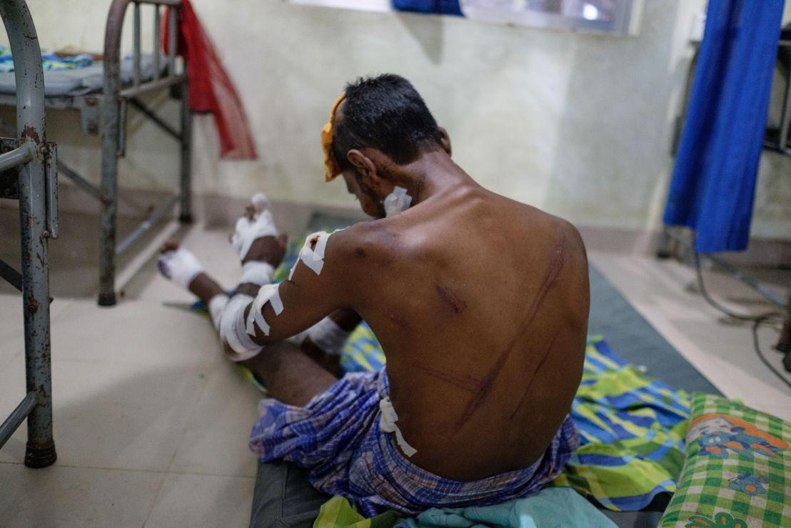 Kutupalong: Rohingya patient in MSF Kutupalong clinic. Credit: Antonio Faccilongo