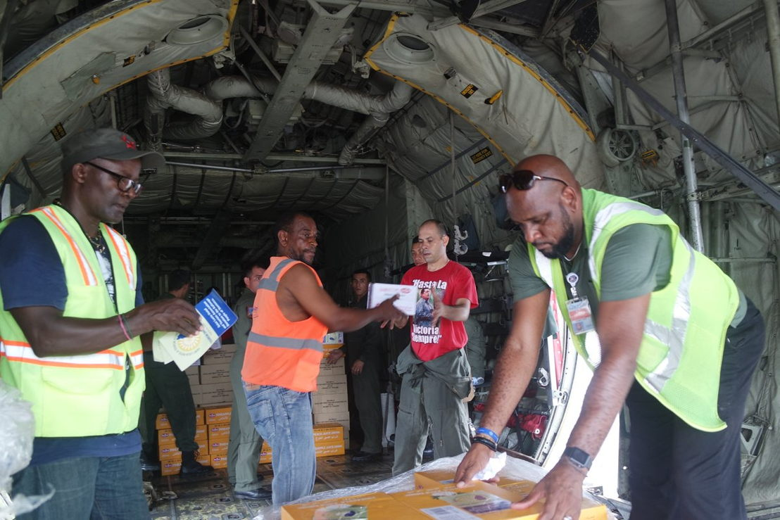 Vital emergency aid is offloaded a National Bolivarian Armed Forces C-130 in Dominica.